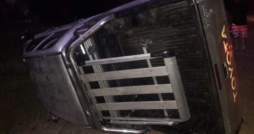 El suceso ocurrió en un sector de Miraflor, donde la camioneta quedó abandonada.