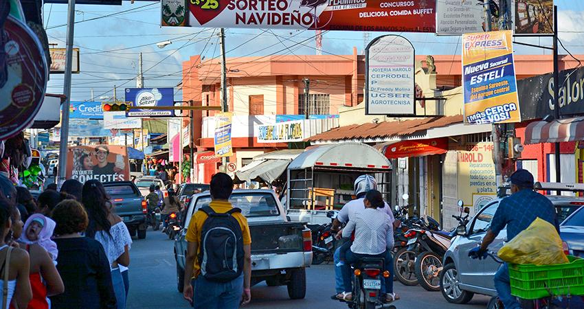 Con pistola en mano dos delincuentes asaltaron una tienda de celulares y otros accesorios en Estelí.
