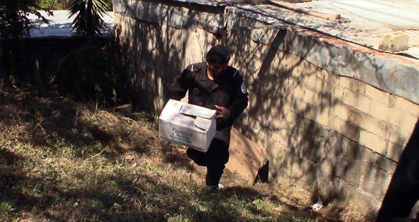 El pequeño cadáver estaba enterrado en un predio baldío del barrio Monte Sinaí de Estelí.