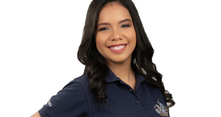 Halinda Real, la adolescente de 17 años, quien ha sido seleccionada por la NASA, para participar en el campamento International Air and Space Program (IASP), logrará cumplir su sueño gracias a la solidaridad de los nicaragüenses.