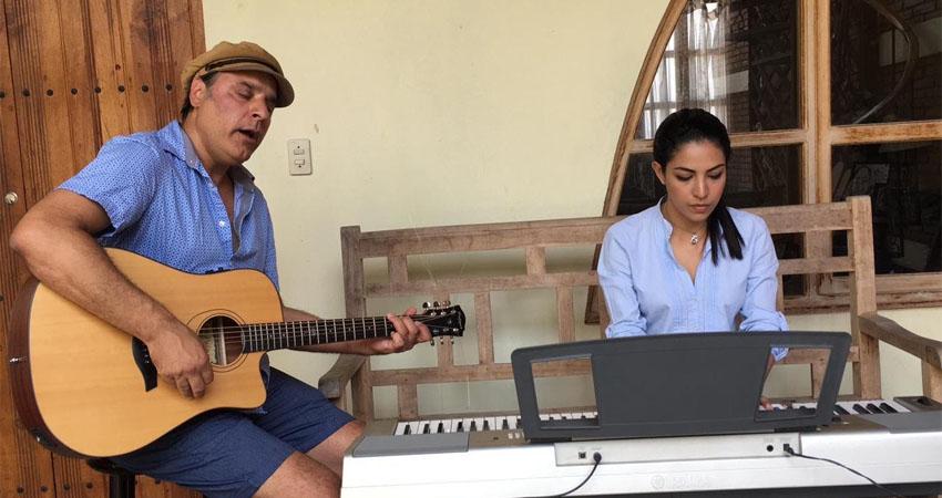 Don Anthony y Carol Maltez son los artistas que están conquistando al público gracias a su talento en la música. Además de cantar, tocan algunos instrumentos con los que lograr conquistar al público más exigente.