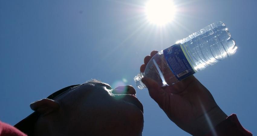 Del frío al calor en cualquier momento. Especialistas recomiendan tomar medidas por el bien de la salud.