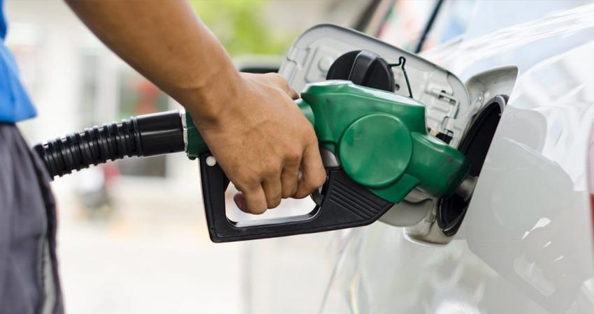 La Semana Santa concluyó con una nueva alza en el precio de la gasolina.