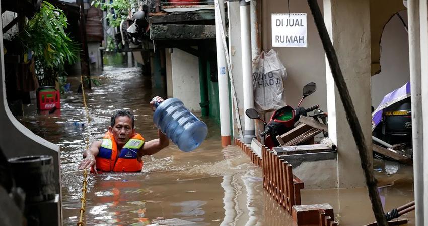 Al menos 113 personas murieron y varias decenas seguían desaparecidas este 5 de abril por inundaciones y deslaves en Indonesia y en Timor Oriental, tras el paso del ciclón Seroja.