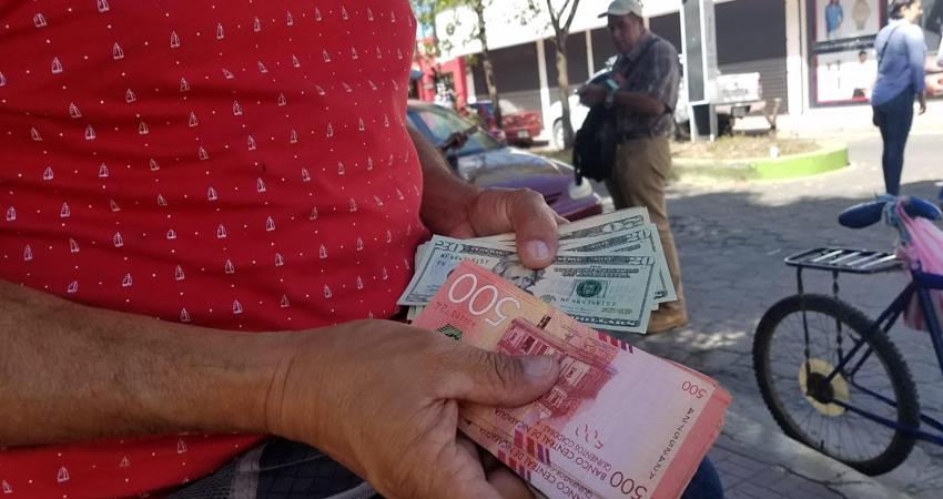En Estelí, los cambistas están comprando el dólar en 34.80 córdobas y lo venden en 35.05.