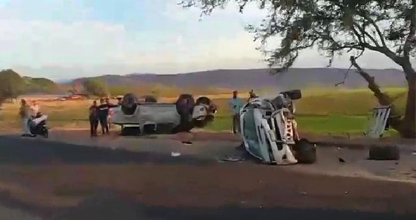 Según informe, el conductor de uno de unos los vehículos se quedó dormido.