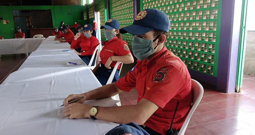 Capacitación realizada ayer en el Benemérito Cuerpo de Bomberos de Estelí. Foto: Juan Fco. Dávila/Radio ABC Stereo