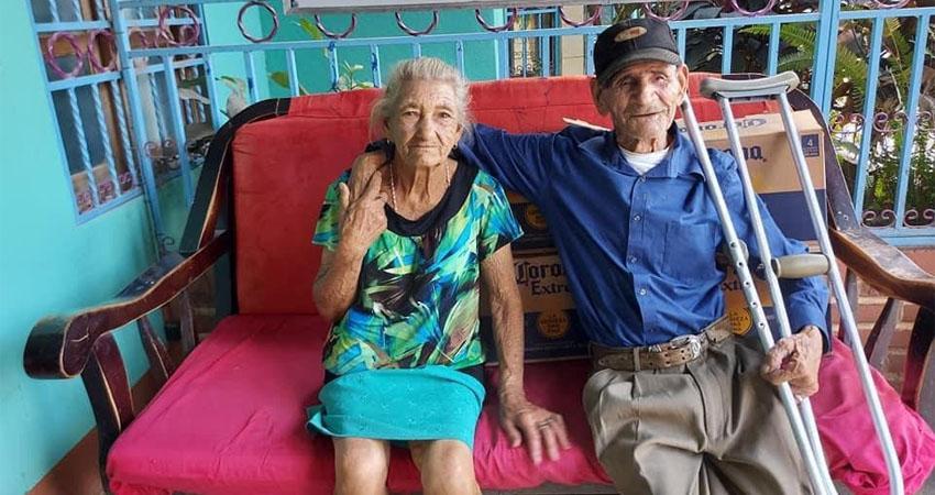 La pareja de ancianitos habita en el barrio Justo Flores de Estelí. Foto: Alba Nubia Lira/Radio ABC Stereo