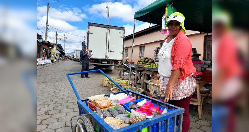 Silvia Gutiérrez trabaja desde los 7 años. Foto: Famnuel Úbeda/Radio ABC Stereo