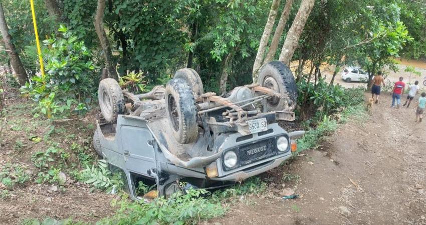El vehículo quedó volcado. Foto: Cortesía/Radio ABC Stereo