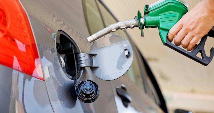 Tanto la gasolina súper como la regular superan los 40 córdobas por litro. Foto referencial.