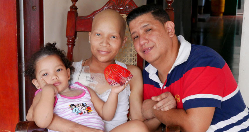 Hyman junto a su familia. Foto: Cortesía/Radio ABC Stereo