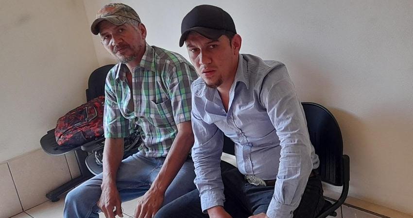 Santos Roberto y José Ananías Peralta demandan justicia. Foro: José Enrique Ortega/Radio ABC Stereo