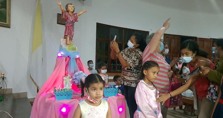 Niños y niñas asistieron a la celebración. Foto: Famnuel Úbeda/Radio ABC Stereo