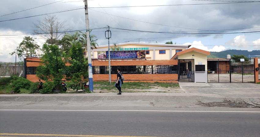 El Salón Multiusos es otro de los bares de la ciudad de Estelí que decidió cerrar temporalmente como medida preventiva. En tanto, otros negocios aseguran que limitarán el número de personas para evitar aglomeración.