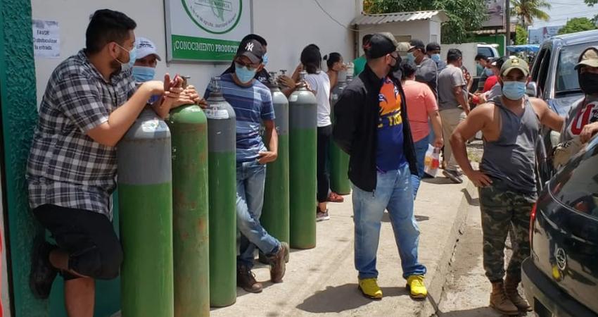 En la sucursal de Estelí, decenas de personas hacían fila cada día para alquilar o rellenar los tanques. Foto: José Enrique Ortega/Radio ABC Stereo