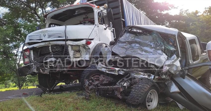 La mañana de este viernes 24 de septiembre, en el kilómetro 115 de la carretera panamericana, cerca del Centro Tecnológico del municipio de San Isidro, Matagalpa, ocurrió un fatal accidente de tránsito en el que perdieron la vida tres personas de forma inmediata.