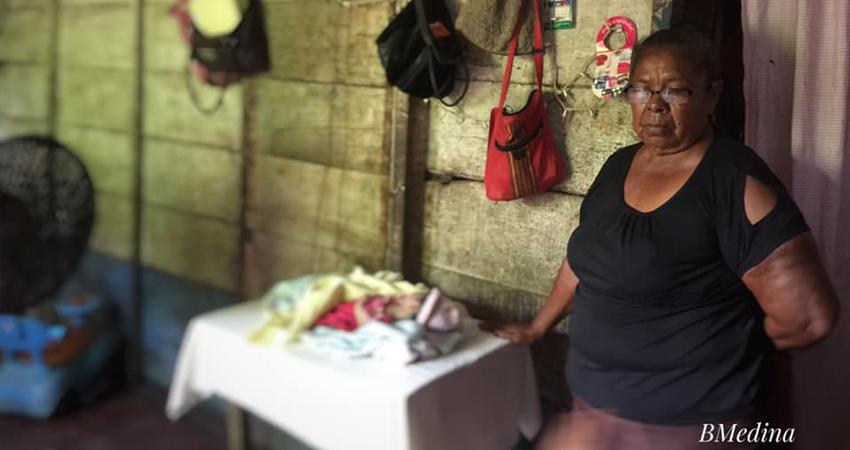 El señalado fue detenido esta mañana en la casa de su madre. La bebé murió, mientras la joven madre se encuentra en condición delicada en un hospital de Chinandega.