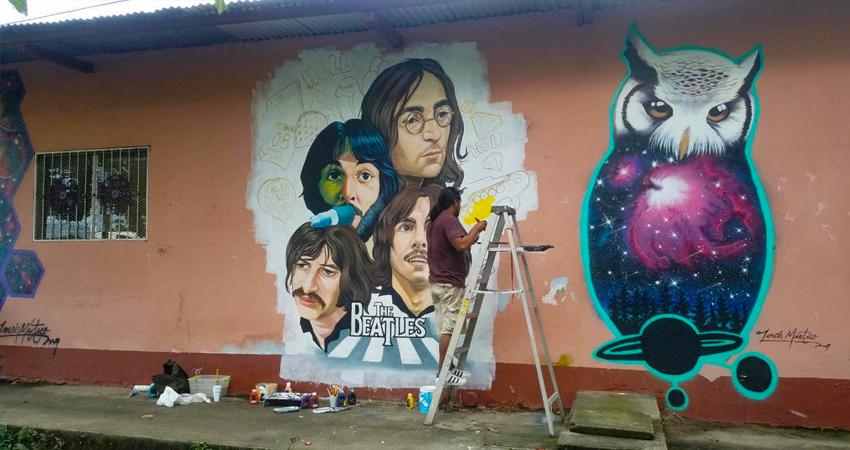 Oscar Blandón, conocido como Torch Místico, es el artista que decidió plasmar a una de las bandas más icónicas de todos los tiempos: The Beatles. El mural está ubicado cerca del Banco de Sangre de Estelí.