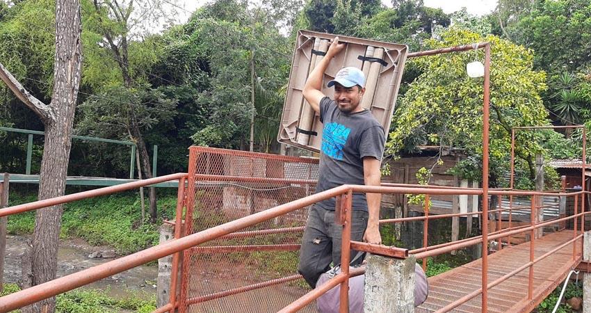 """La quebrada El Zapote es uno los puntos de riesgo de Estelí y ante el paso de Eta por Nicaragua, algunas familias prefirieron """"prevenir que lamentar"""" y se autoevacuaron."""