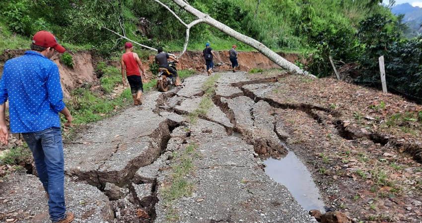Hay varios kilómetros de caminos dañados. Foto: Cortesía
