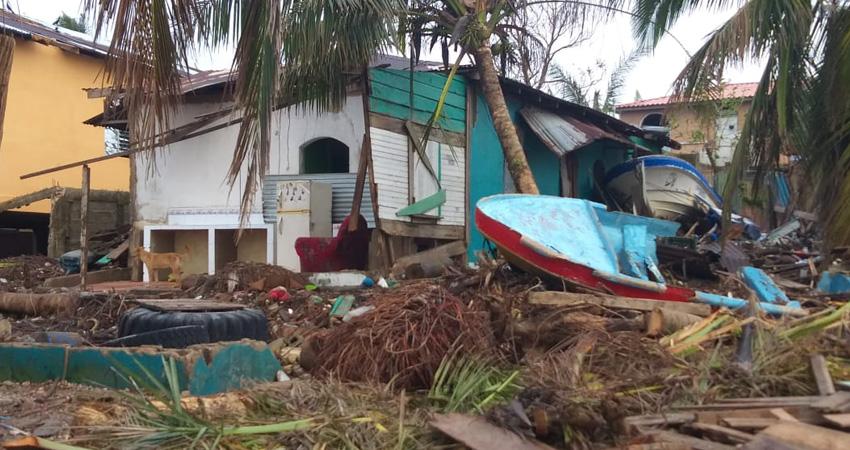 """El costo de los daños causados por Eta podrían duplicarse o triplicarse, si se suman los efectos del huracán Iota, que tumbó lo que su antecesor dejó en pie. Las familias sufren la """"furia"""" de la naturaleza."""