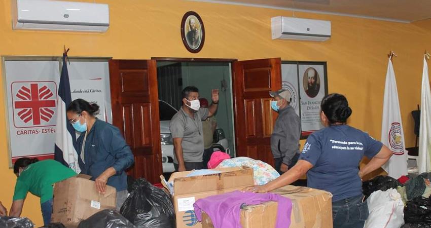 Que ahora se desborde la solidaridad. En las parroquias de la Diócesis y en las oficinas de Cáritas se están recibiendo donaciones a favor de quienes sufrieron las consecuencias de los huracanes en la zona norte del país.