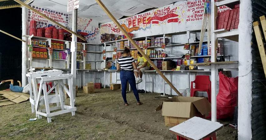 En total, son 4 los puestos autorizados de pólvora en Estelí. Foto: Roberto Mora/Radio ABC Stereo